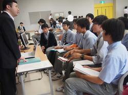 卒業生職業3.JPG